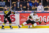 AIK:s Conny Strömberg hade det tufft mot sitt gala lag.